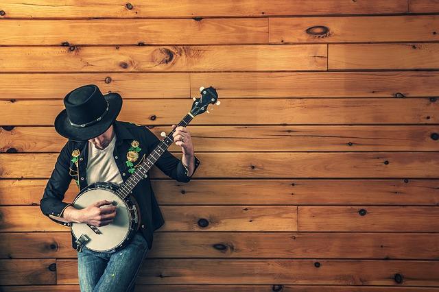 hraní na banjo
